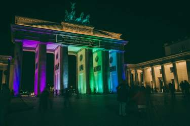 OKT 2010: Festival of Lights, Brandenburger Tor, Pariser Platz, Mitte