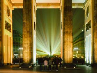 OKT 2016: Festival of Lights, Brandenburger Tor, Mitte, Platz des 18. März