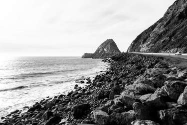 FEB 2017: Mugu Rock, Pacific Coast Highway, Pazifik, Malibu